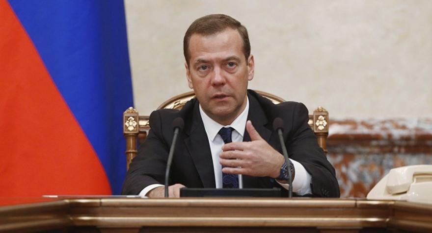 Medvedev: Hat dîtin ku Trump dikare bi hêrs şerê hikûmeta Sûriyeyê bike,medvedev,hat,dîtin,ku,trump,dikare,bi,hêrs,şerê,hikûmeta,sûriyeyê,bike